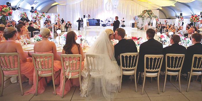 Рассадка гостей на свадьбе - несколько способов